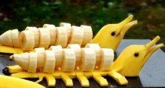 吃柿子后能吃香蕉和酸奶吗 不能(一起吃引起身体不适)