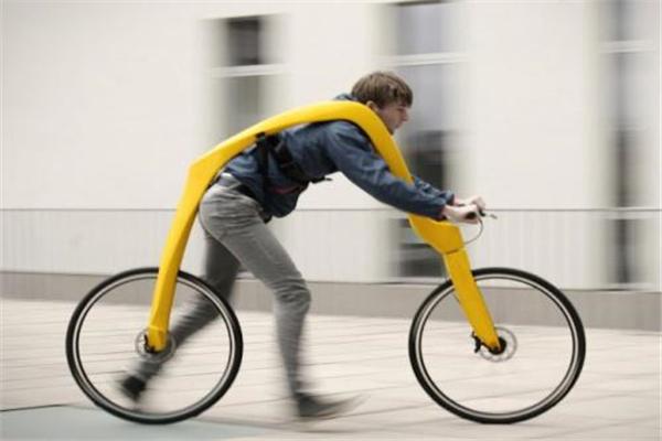 五大最奇葩的无用发明:第二自行车没踏板,全靠脚力奔跑