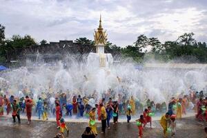 2018年泰国泼水节是哪一天,每年4月13至15日(泰国新年)