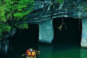 揭秘安徽花山谜窟,石壁惊现千奇百怪的洞穴(1700年的历史)