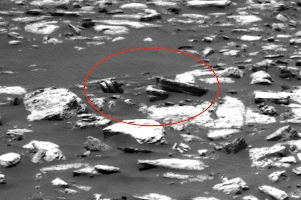 NASA网站发布的照片出现神奇物体