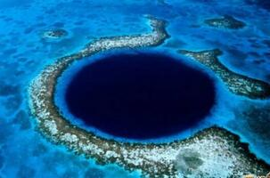 洪都拉斯蓝洞水下照片曝光,简直美得让人窒息(深不见底)