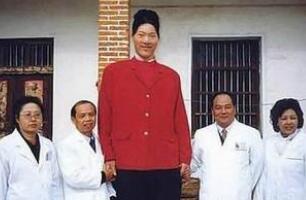 世界第一女巨人姚德芬,身高2.4米患垂体瘤疯长(已去世)