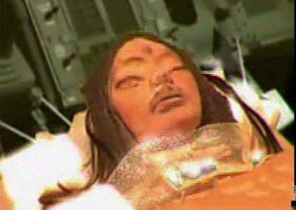 月球上的外星人?从月球带回来的三眼女尸是嫦娥