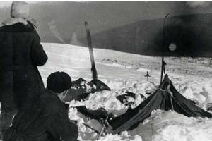 1959年前苏联Dyatlov事件,登山队误入军事基地被屠杀